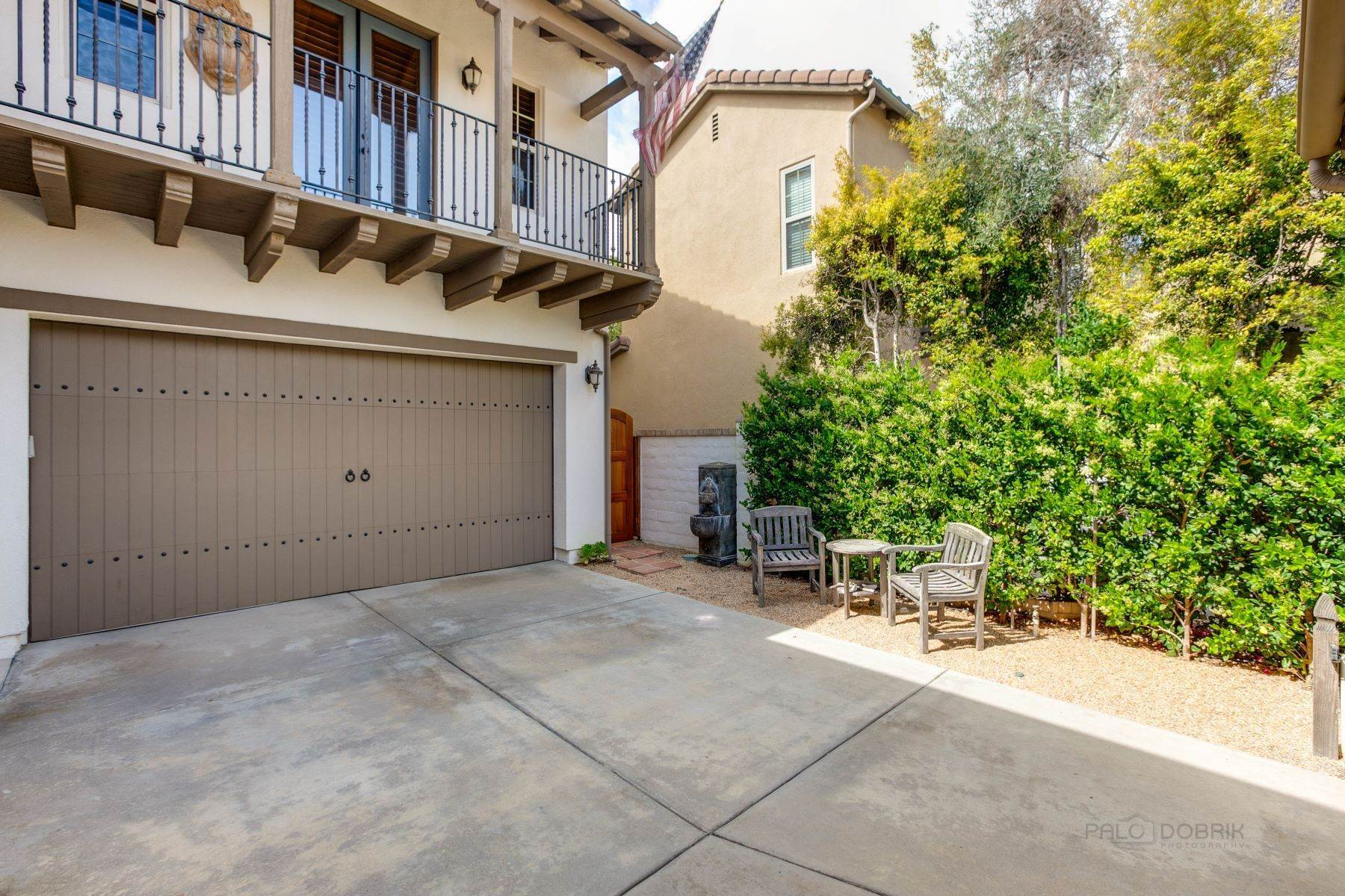49. Single Family Homes for Sale at 13512 Moonflower Meadows Trail, San Diego, CA 92130 13512 Moonflower Meadows Trail San Diego, California 92130 United States