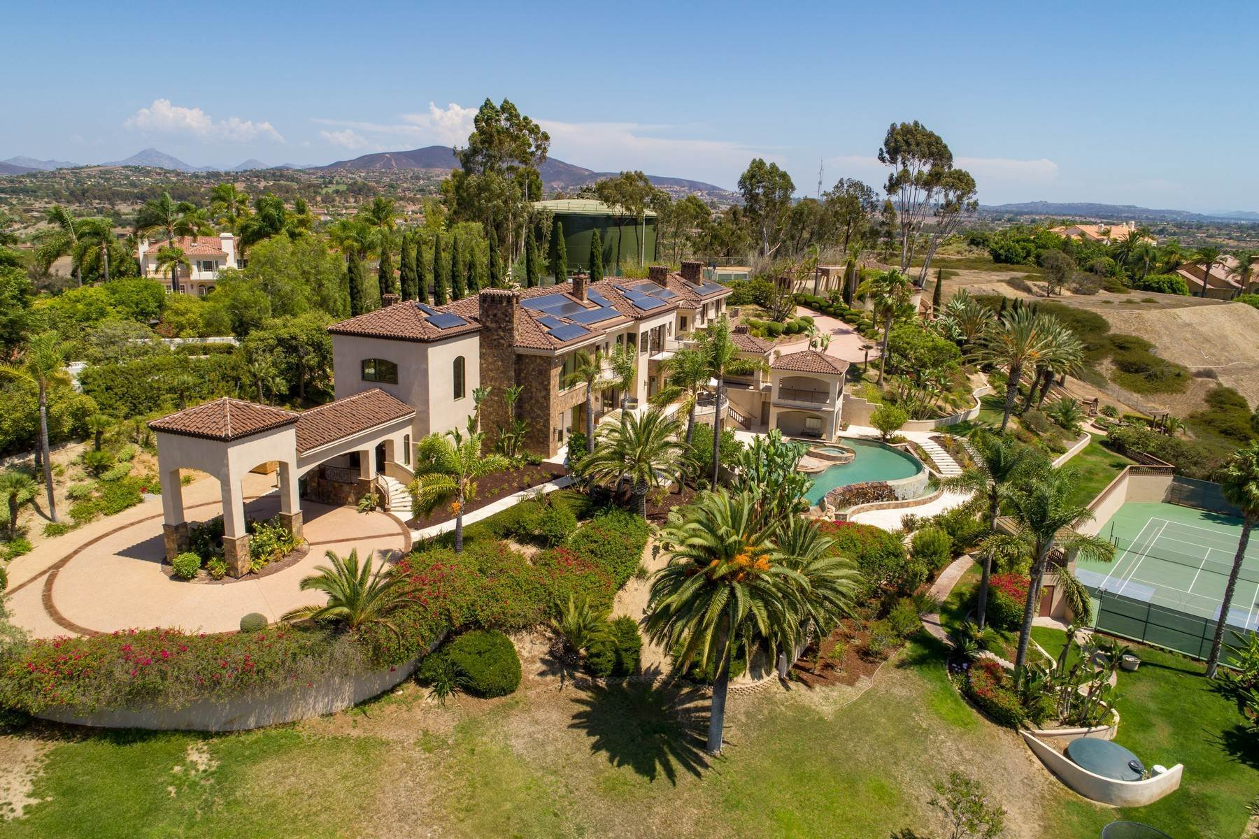 Single Family Homes for Sale at 17261 Circa Oriente Rancho Santa Fe, California 92067 United States