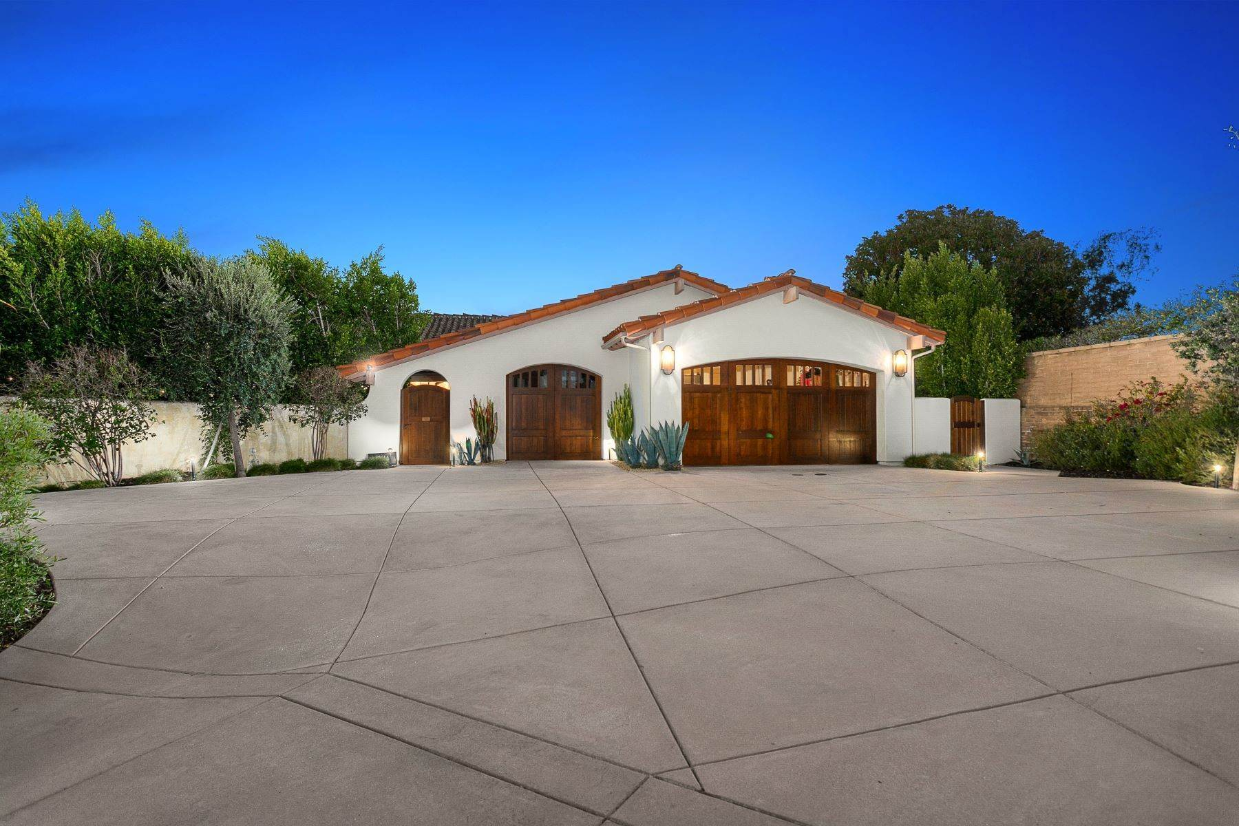 Single Family Homes for Sale at 17144 Via De La Valle, Rancho Santa Fe, CA 92091 17144 Via De La Valle Rancho Santa Fe, California 92091 United States