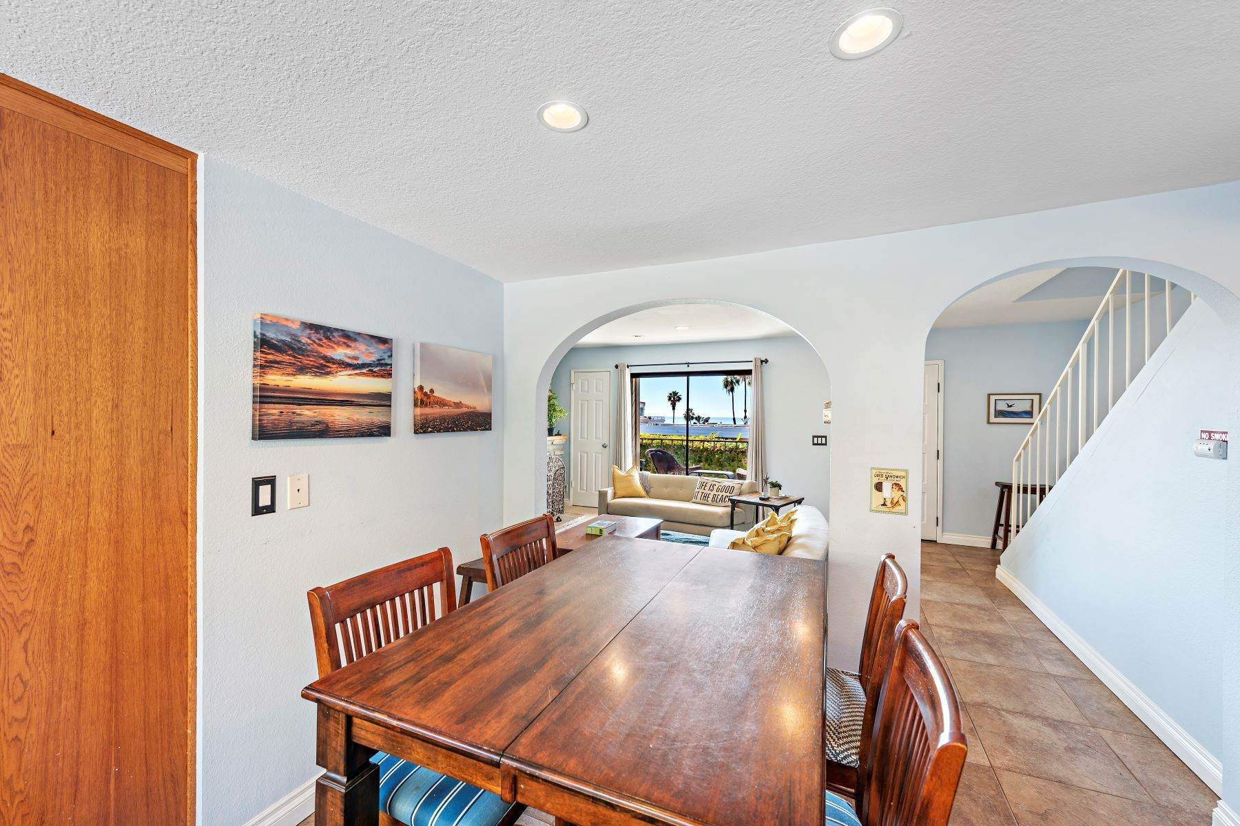 17. Condominiums for Sale at 321 Acebo Lane Unit #C, San Clemente, CA 92672 321 Acebo Lane, Unit #C San Clemente, California 92672 United States
